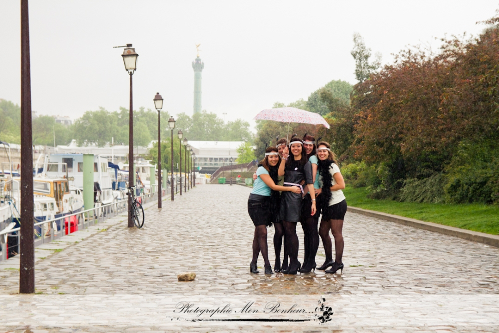 photo enterrement de vie de jeune fille, photographe à paris bastille, séance entre copines EVJF
