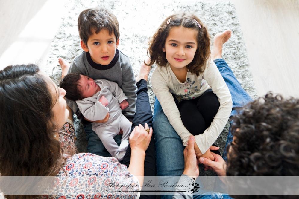jeunes parents, photo lumière naturelle, photo portraits, photographe à paris 12ème, photographe de maternité Saint-Mandé, photographe maternité Paris Porte Dorée, portrait bébé, séance photo, séance photo naissance